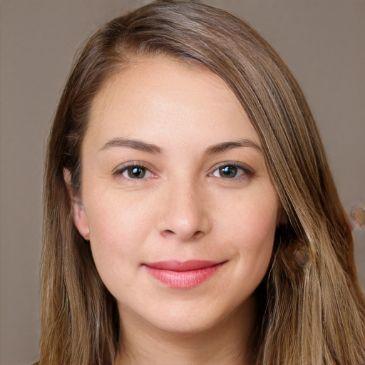 María E.